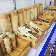 Bamboo box Vietnam - Round shape, great quality, various type. We can supply and making as custom demand. We have competive scoure bamboo and worker Bamboo Box, Farmer, Polish, Shapes, Tea, Phone, Wood, Vitreous Enamel, Telephone
