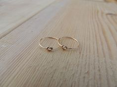 Hey, I found this really awesome Etsy listing at https://www.etsy.com/listing/113425811/memory-ring-knot-ring-love-knot-ring