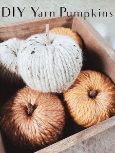 Thanksgiving Crafts, Holiday Crafts, Halloween Fall Crafts, Halloween Labels, Halloween Projects, Halloween House, Spooky Halloween, Vintage Halloween, Halloween Pumpkins