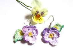 Delicate handmade pansy earrings, crochet earrings, colorful jewelry for summer, perfect gift ideas Cute Earrings, Flower Earrings, Crochet Earrings, Unique Crochet, Blue Pearl, Pansies, Crochet Flowers, Gifts For Women, Crochet Patterns