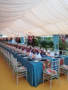 #Bankettstuhl #Chiavari  #Tiffany_chair# Tiffany-Stuhl #Heiraten_im_Zelt #Tischdeko #Blumenband Table Decorations, Tiffany, Furniture, Home Decor, Event Management, Tent Wedding, Banquet, Outdoor Camping, Chair