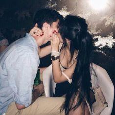Imagem de couple, kiss, and Relationship #Parejas #Amor