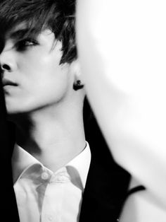 Woah! He looks reallllly good >.< #luhan #exo