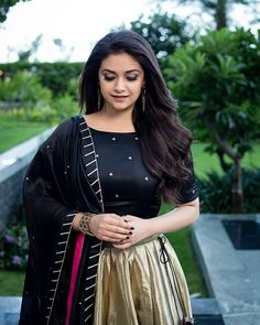 40 High Quality Images of South Indian Actress Keerthy Suresh Elegant Girl, Ray Ban, Tamil Actress Photos, Most Beautiful Indian Actress, South Indian Actress, South Actress, Indian Girls, Hd 1080p, Indian Outfits