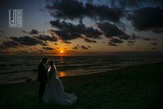 Non mi stancherei mai d' incantarmi ai tramonti.... www.luigimatino.com #weddings_italy #italian_photographer #fotografo_napoli #photographer_positano