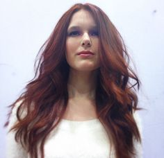 long hair, wavy hair, be achy wave, american wave, waves, red hair, long layers, model, makeup, blow out, round brush, long hairstyles
