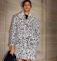 Crafted in rabbit fur, the coat sports a superb leopard print. It al… - Online Shop Maje Maje, Fur Coat, Blouse, Coat Hanger, Jackets, Shopping, Tops, Dresses, Women