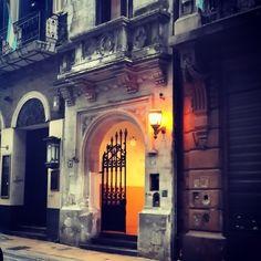 Un farol en la calle Peru ..Buenos Aires