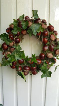 Fall Wreaths, Door Wreaths, Diy Wreath, Grapevine Wreath, Bath Bombs Uk, Christmas Diy, Christmas Wreaths, Deco Floral, Christmas Table Settings