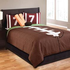 Hallmart Collectibles Touchdown Twin 5 Piece Bed In A Bag by Hallmart Collectibles Bedding : The Home Decorating Company