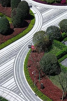 Formal Garden Designs and Ideas Have you ever really thought about how many people see the outside of your home? Landscape And Urbanism, Landscape Architecture Design, Urban Landscape, Modern Landscaping, Outdoor Landscaping, Pavement Design, Formal Garden Design, Paving Pattern, Paving Design