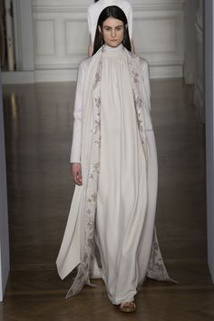 Previous                                                              Next       FEMME HAUTE COUTURE PRINTEMPS-ÉTÉ 2017  Valentino 42 / 61