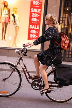 Urban Cycle Chic: Spring is in the Air!
