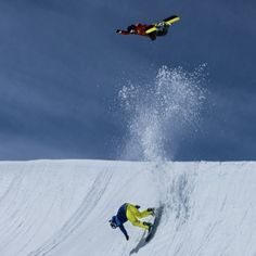 @Arthur_Longo methods over  Olivier Gittler at #Kitzsteinhorn #doubleyourfun photo: @vernondeck #Padgram