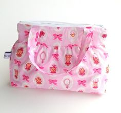 Toalettmappe for de minste Diaper Bag, Lunch Box, Barn, Sewing, Pink, Converted Barn, Dressmaking, Couture, Diaper Bags