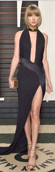 Taylor Swift: Dress – Alexandre Vauthier Shoes – Giuseppe Zanotti Purse – Jimmy Choo