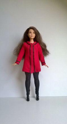 Curvy Barbie Jersey Jacke in Rot mit Schwarzem Dekor von Schaurein auf Etsy