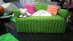 Couch tissue box cover for cat lovers. Couch pattern by Annies Attic and a little bit of imagination