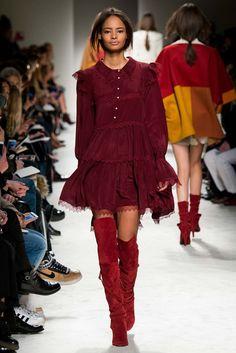 Philosophy di Lorenzo Serafini Fall 2015 Ready-to-Wear Collection Photos - Vogue World Of Fashion, High Fashion, Fashion Show, Fashion Outfits, Fashion Design, Haute Couture Style, Runway Fashion, Womens Fashion, Fashion Trends