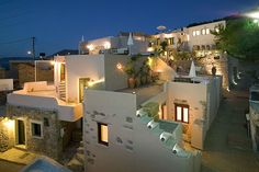 Hotel, Motel, Or Inn? Many options exist when booking travel accommodations, from shady motels to five star hotels on the strip. Crete Island, Greece Islands, Hotel Motel, Hotel Spa, Style At Home, Crete Holiday, Pictures Of Beautiful Places, Greece Hotels, Hotel Apartment
