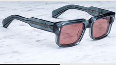Men Sunglasses Fashion, Fashion Eye Glasses, Mens Sunglasses, Funky Glasses, Mens Glasses Frames, Sun Goggles, Dior Ring, Body Chain Jewelry, Light Sensitivity