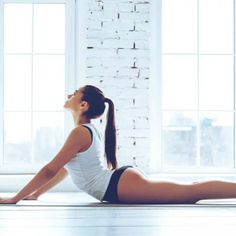 This is the simplest yet most effective pose in yoga to reduce belly fat. Not only does them Reduce Belly Fat, Lose Belly Fat, Fitness Workout For Women, Yoga Fitness, Yoga Bikram, Lower Belly Workout, Yoga Positions, Restorative Yoga, Yoga For Weight Loss