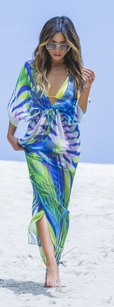 Colorful Cover-up Beach Style on imgfave Summer Fashion Outfits, Stylish Outfits, Spring Summer Fashion, Spring Outfits, Stylish Clothes, Printed Gowns, Swimwear Fashion, Unique Fashion, Dress To Impress