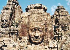 Face-towers depicting Bodhisattva Avalokiteshvara, Bayon-temple in Angkor, Cambodia (late 12th to beginning 13th century).