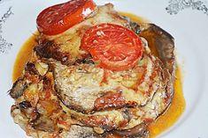 Parmigiana de vinete - un fel de musaca, straturi de vinete, sos de rosii, parmezan si branza (mozzarella, caciotta sau Ementaller). Mozzarella, Eggplant Recipes, French Toast, Pork, Food And Drink, Low Carb, Cooking Recipes, Tasty, Vegetables