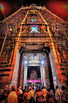 Chennai, photo Srravi on Flirck Temple Indien, Temples, Backpacking India, Hindu Culture, Indian Architecture, Ancient Architecture, India Travel Guide, Bus Travel, Journey