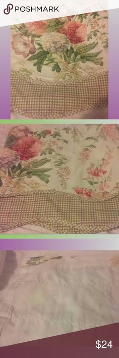 "Thomasville Home Curtain Topper 74x20"" LN Gorgeous Floral and Lavender and green gingham Curtain Topper. Perfect for Cottage look or Shabby Chic decor. LIke new condition 74"" width x 20 "" length Thomasville Home Other"