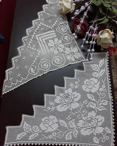 Baby Knitting Patterns, Crochet Patterns, Crochet Borders, Crafts, Vase Ideas, Crochet Table Runner, Wreaths, Crochet Slippers, Lace