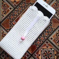Bu da beyaz telefon kılıfı 😉❤#10marifet #handmade #crochet #knitting #craft #tasarım #örgü #elyapımı #elişi #telefon #kılıfı #phone #iphone #beyaz #kullanışlı #şık #aksesuar #hoooked #yarn #yarnlove #instagood #instalike #instagram #vscocam