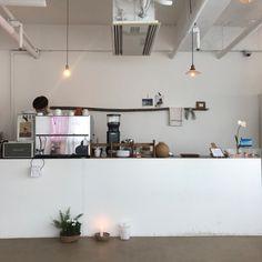 벚꽃주간 1 - 아베크엘, tmO shop&cafe (텐미러원) : 네이버 블로그 Cafe Shop Design, Cafe Interior Design, Interior Architecture, Korean Cafe, Coffee Shop Aesthetic, Coffee Stands, Home Desk, Small Cafe, Room Planning