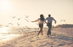 Beach Engagement Photos | Truly Engaging Wedding Blog