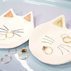 DIY Cat Ring Dish made with air dry clay.  This video is awesome!