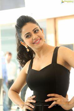 Bollywood Heroine Rakul Preet Singh Photos - Image 74