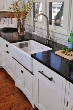 kitchen-backsplash-carrara-marble-soapstone-ceramic-subway-brick-mosaic-back-splash