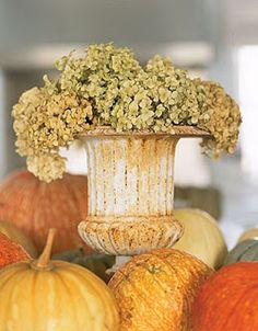 I love urns!  VOONDI ~