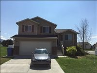 5 bed/ 3.5 bath in North Logan for Rent!