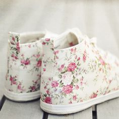 <3 Floral White Sneakers