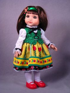 [iNSERT] ©Mary Engelbreit Autumn Dance 2007 Robert Tonner DRESSED DOLL T7-AEDD-06 LE400 Originally Sold For $99.99 Sophie wears a colorful cotton dress adorned with 'breit' red accents under green cotton vest; includes tights hair ornament/ribbon, and shoes.