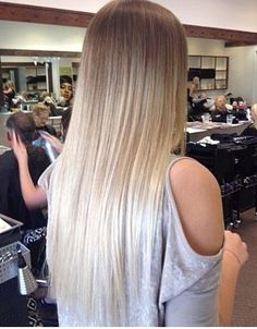 Really cool blonde ombre love it! Really cool blonde ombre love it! Blond Ombre, Brown Blonde Hair, Ombre Hair Color, Ombre Style, Platnium Blonde Ombre, White Ombre Hair, Platinum Blonde, Brunette Hair, Ombré Hair