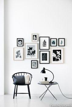 wall decor gallery art / decorar con fotos y cuadros Inspiration Wand, Layout Inspiration, Interior Inspiration, Interior Ideas, Home And Deco, Frames On Wall, Frames Decor, Home And Living, Living Rooms