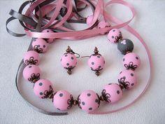 Regalo de San Valentín el romántico collar rosa gris joyería grano de lunares rosa gris joyería de la arcilla del polímero delicado collar pendiente establecer bastante rosa