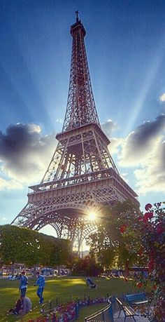 #Eiffel_Tower in #Paris, #France http://en.directrooms.com/hotels/subregion/2-8-208/