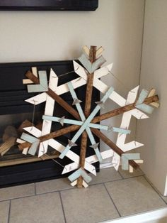 Scrap wood snowflake - Home Page Christmas Wood Crafts, Pallet Christmas, Outdoor Christmas, Rustic Christmas, Christmas Projects, Christmas Home, Holiday Crafts, Christmas Holidays, Christmas Decorations