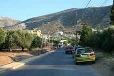 De weg van Koutouloufari naar Chersonnissos