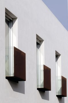 Housing – Condominio T – C+C04STUDIO Tension rod corten step out