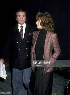 Robert Wagner and Stefanie Powers during Robert Wagner at a Taping of 'The Merv Griffin Show' at Metromedia Square in Los Angeles California United...